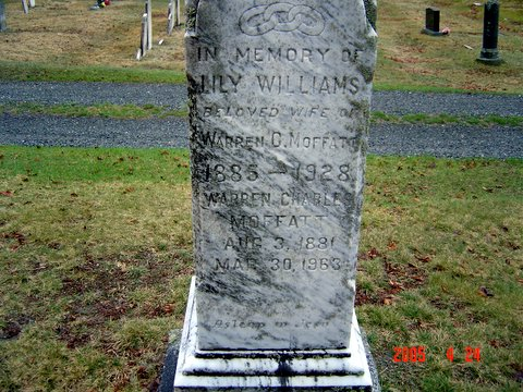 Headstone of Lily Williams and her husband Warren Charles Moffatt