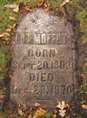 Headstone of Lot Moffett